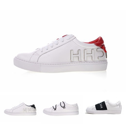 Shop online sneakers and urban fashion | Huelvashop
