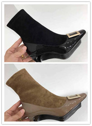 2018 neue schwarze und helle Tan Mode Stiefel neuesten Design für Nieten berühmte Marke Designer High Heel Stiefel zarte Charme Adel Eleganz