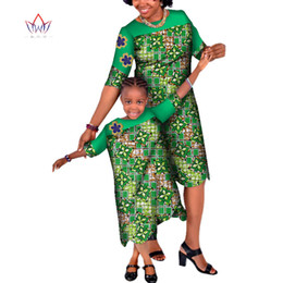 $enCountryForm.capitalKeyWord UK - New 2 Dress for Family Bazin Riche Patchwork Applique Loose Dress African Mom and Daughter Dashiki African Clothing WYQ13