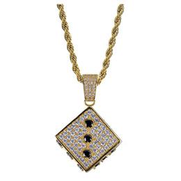 $enCountryForm.capitalKeyWord UK - 2018 new European and American temperament dice pendant ornaments black and white bicolor zircon tide Necklace