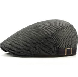 $enCountryForm.capitalKeyWord NZ - New Fashion Men Women Beret Caps Wholesale Solid Plain Mesh Trucker Caps Summer Breathable Sun Hats for Men Flat Cap