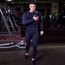 Мужчины сухого подходящего сжатия трексуита фитнес жесткий ходовой набор футболки набор футболок, набор футболок, набор мужской спортивной одежды Демикс черный спортивный костюм на Распродаже