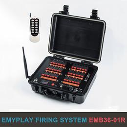 Großhandel 36 Cues wiederaufladbare Remote Wireless Fireworks-ZündanlagePyrotechnisches FeuerungssystemSequential FireSalvo FireStep Fire-Zünder / E-Match