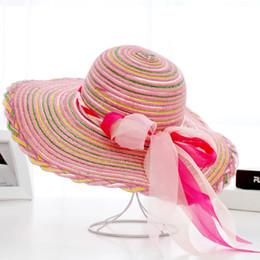 9a7f8b33728af Diseñador de Corea del Sur Big Straw Floppy Beach Sombreros con arco Mujeres  Derby de Kentucky Elegante Ala Primavera Verano Sombrero Sombrero Viseras  ...
