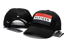 be4f78c647 Novo designer de moda chapéu de malha de alta qualidade 6 painel de boné de  beisebol ajustável chapéus para homens mulheres snabpack Preto vermelho  marinha ...