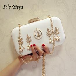 b239e26165 È Yiiyan bianco rosa vendite donne borse da sera partito ricamo lussuoso  bordare bellissimo paesaggio perle frizione borsa HB117