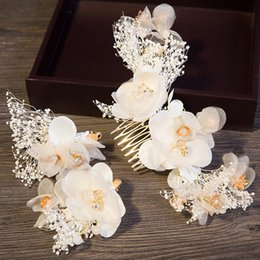 romantic hot dresses NZ - New Hot Bridal Flower Headdress Hay White Hair Comb Set Wedding Dress Accessories Romantic Bridal Accessories Hair Comb Clip Two-piece Set