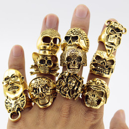 Wholesale 12 Pieces Vintage Punk Men Skull Rings Gold Silver Black Alloy Bohemian Statement Ring Men Jewelry Random Style