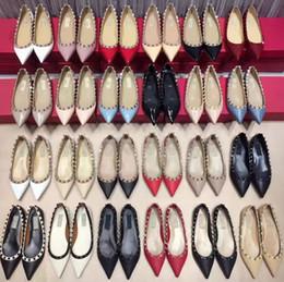 Girls Wedding Flat Shoes Canada - Top New Women Flat heels dress shoes rivets girls sexy pointed toe buckle platform pumps wedding party shoes Send box