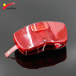 $enCountryForm.capitalKeyWord NZ - 3 LEDs Red Rear Light for Bike Bicycle Rear Rack Carrier Safety Warning Lamp Battery Bike Bicycle Lighting Cycling Accessories