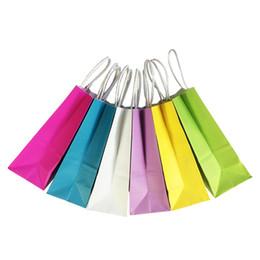 Vente en gros Sac de papier multifonctionnel de couleur douce DIY avec poignées / 21x15x8cm / Sac cadeau du Festival / Sacs de magasinage de haute qualité en papier kraft