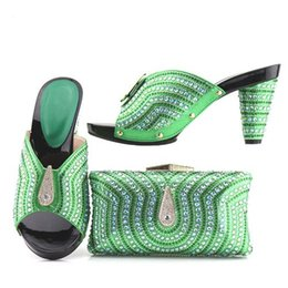 Green Gingham Canada - The new Italian party shoes and bags are set with green women's shoes and matching outfits in Italy..228-7.13