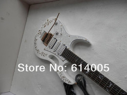 Rising Hands NZ - free shipping high quality Left hand white JEM 7V Electric Guitar with floyd rose golden leaves free made in japan gift string