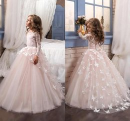 China Lovely 2018 New Arrival Lace Flower Girl's Dresses Long Illusion Sleeves Jewel Neck Ball Gown Handmade Butterflies Girl's Pageant Dresses supplier new butterfly images suppliers
