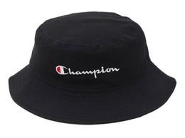 Vente en gros 2018 hot mode hommes femmes Hot Champion Bucket Hat marque extérieure Boonie Cap Unisexe Summer Beach Hat livraison gratuite