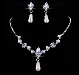 $enCountryForm.capitalKeyWord Australia - 2018 Crystal Whater Drop Pearl Silver Plated Necklace Imitation Earrings Wedding jewelry sets for bride Bridesmaids women Bridal Accessories