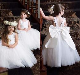 $enCountryForm.capitalKeyWord Australia - Communion Dresses Pageant Dresses for Little Girls 2018 Cheap White Lace Flower Girl Dresses with New Designed Appliques Straps