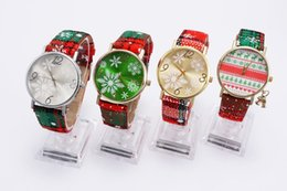 christmas glass gifts Australia - Cartoon Christmas Gift Lady Glass Mirror Watch Cartoon Snowflake Elk Deer Women Wristwatches Christmas Pendant Watches Bracelet