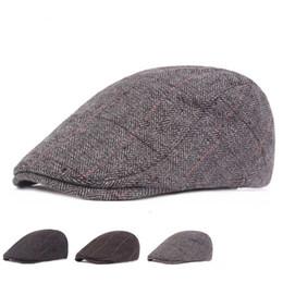Sonbahar Kış Yün Erkekler Newsboy Hissettim Şapka Düz Ivy Gatsby Kap Sıcak  Erkek Bereliler Yaşlı Adam d63036dd3e