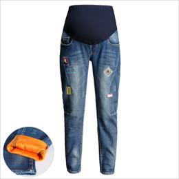 c84d8f9510 Los pantalones vaqueros de las mujeres más terciopelo acolchado mujeres  embarazadas pantalones de invierno pantalones de maternidad ropa embarazada  ropa de ...