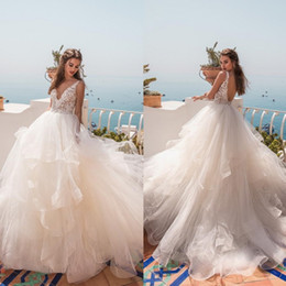 la robe UK - La Petra 2019 Wedding Dresses V Neck Backless A Line Bridal Gowns Sweep Train Appliqued robe de mariée Plus Size