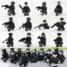 bricks toys army 2018 - 12 PCS City SWAT Figures Model Weapons Building Blocks Guns Blocks Army Soldiers Accessories Bricks Military Toys for Bo