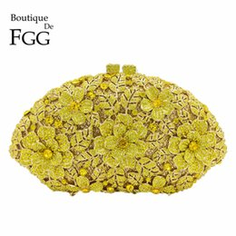 China Bridal Wedding Yellow Flower Clutch Crystal Bags HardCase Metal Gold Women Evening Clutches Party Cocktail Dinner Minaudiere Bag cheap ivory clutch evening bag suppliers