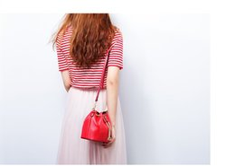 $enCountryForm.capitalKeyWord Australia - Mini Women's Handbags Fahion Real Leather Bucket Bag New Style Shoulder Bags with Long Strap Birthday Gift