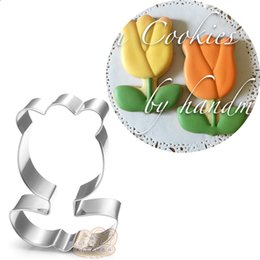 Chinese  10pcs rose flower cookie cutter Metal biscuit tool Fruit die cut Sushi stamp sandwich mold baking cake pastry cupcake topper manufacturers