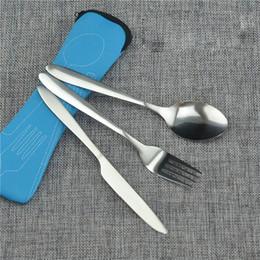 2019 nouvelle arrivée argent vaisselle ensemble haute qualité couteau en acier inoxydable dîner et fourchette et café soupe cuillère cuillère à café de couverts 3pcs / Set en Solde