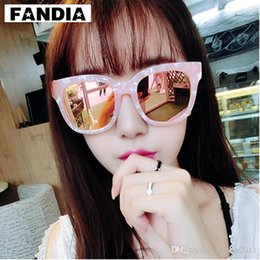 Discount mens wood sunglasses - 2017 Vintage Big Case Wood Sunglasses Women Men Summer Fashion Sun Glasses Female Personality UV400 Mirror Sunglass Mens