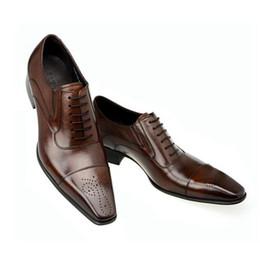 ItalIan shoes b online shopping - Fashion Italian Men Shoes Genuine Leather Mens Dress Shoes Sales Carved Designer Wedding Male Oxford Shoes Men Flats black brown