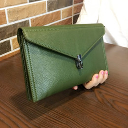 $enCountryForm.capitalKeyWord Australia - Envelope Clutches Bag Genuine leather Women Shoulder Messenger Bags Ladies luxury Crossbody Evening Party Bags Female Handbags