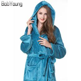 Robe Warmer Canada - BabYoung 2017 Winter Unisex Hotel Bath Robes Coral Fleece Hood Pajamas Long Sleeve Homewear Warm Female Bathrobe Mantle Dress