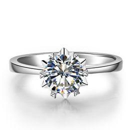 China 9K,14K,18K Gold Classic Romantic Snow Flake Style Ring Round Brilliant Cut Single Stone Setting Lab Diamond Moissanite Women's Rings suppliers