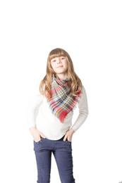 9ca38e60ee5 Triangle enfants écharpe à carreaux hiver chaud cachemire châles couverture  femme silencieux pashmina foulards triangle bandage cape marque