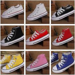 63fefc26303ca 2018 Boygirl zapatos de lona para niños niños lindos zapatos deportivos de  ocio bajo alto top de goma 10 colores tamaño 24-34 envío rápido