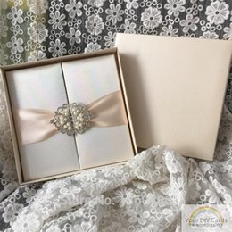 Luxury Champagne Silk Satin Box Wedding Invitation With Ribbon And Rhinestone Buckle Customized