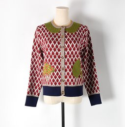 $enCountryForm.capitalKeyWord NZ - Free Shipping 2018 Red Plaid Jacquard Women's Cardigans Brand Same Style Gold Line Buttons Women's Sweaters 070601