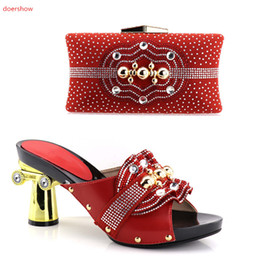nigeria dresses UK - Fashion Woman's Shoes and Bag Set Nigeria Italian Shoes And Bag To Match Fuchsia Color Shoes With Big Flowers Decoration HV1-5