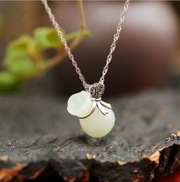 Chinese  Unique Design Link Chain Necklace 925 Sterling Silver Natural Hetian Jade Lucky Bag Pendant for Women Girl Fine Jewelry manufacturers