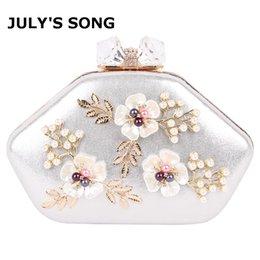 $enCountryForm.capitalKeyWord NZ - 2018 Women Floral Evening Clutch Bags Ladies Day Clutches Retro Beaded Pearl Wedding Party Bag Women White Shoulder Bag Y18103004
