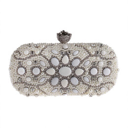 Juego de bolsos pequeños de perlas Bolsos de fiesta de cenas de diamantes Bolsos de mano de novia de cadenas de moda europeo y americano