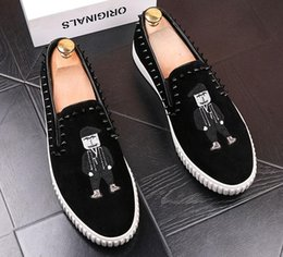 $enCountryForm.capitalKeyWord NZ - 2018 New style Fashion Mens Slip On rivet Loafers Embroidery Harajuku Shoes Men Canvas Flats Driving Chaussure Homme Casual Shoes G48