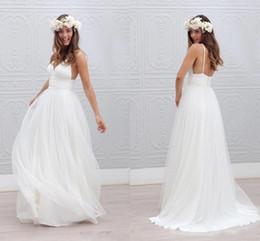 b8084e17a8 2018 Playa Verano Boho Vestidos de novia sexy Backless correas espaguetis  palabra de longitud de la