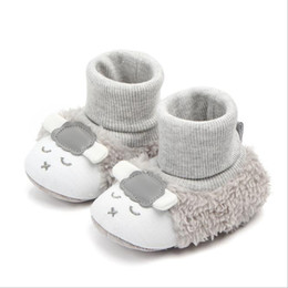 Chinese  Baby First Walking Boots Newborn Infant Floor Winter Super Warm Slip-On Soft Baby Crib Booties Shoes Cartoon lamb manufacturers