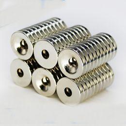 Venta al por mayor de 50 unids 10 x 3 mm Agujero 3 mm N50 Imán de anillo fuerte D Avellanado Imanes de neodimio de tierras raras Imán permanente