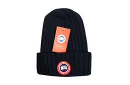 Cappelli invernali Solid Hat donna Unisex Plain Warm Soft Stripe donna  Skullies Berretti in maglia Touca Gorro Caps per uomo Donna 9415872f90de