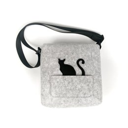 Wholesale Felt cute cat cross body shoulder bag for girl with flexible belt fashion woman bag eco crossbody bagfelt material