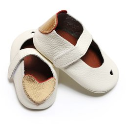 Baby Shoes Girl Genuine Leather Australia - 2018 Summer pure white heart-shaped Soft genuine Leather Shoes First Walker Infant Girl Boys Baby Moccasins hot sale 0-30 month